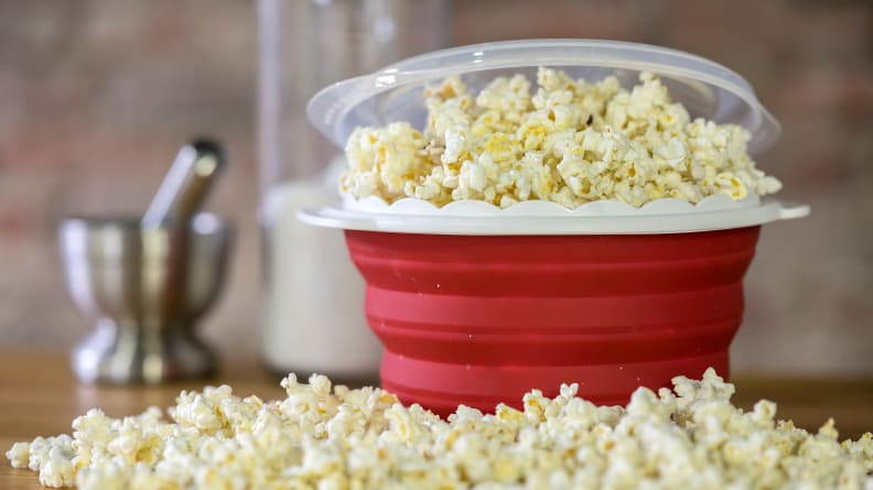Collapsible Microwave Popcorn Maker